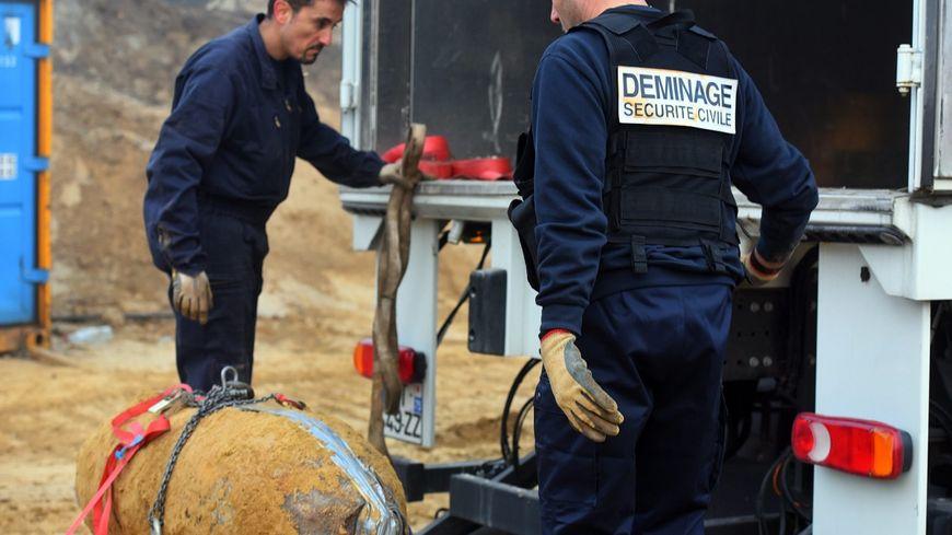 De nombreuses bombes sont neutralisées chaque année par les démineurs