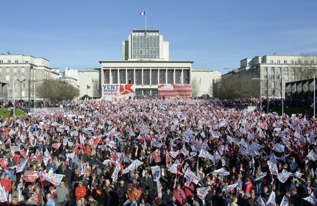 Des milliers de personnes rassemblées pour l'emploi à Brest
