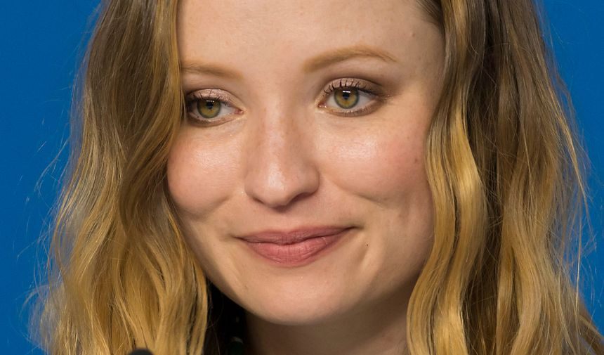 Emily Browning - Maxppp