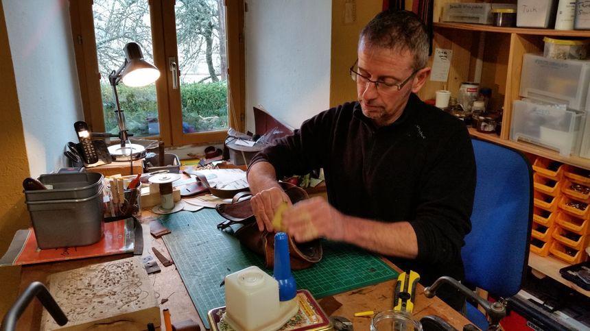 Sylvain Pettinotti, artisan maroquinier - Aucun(e)