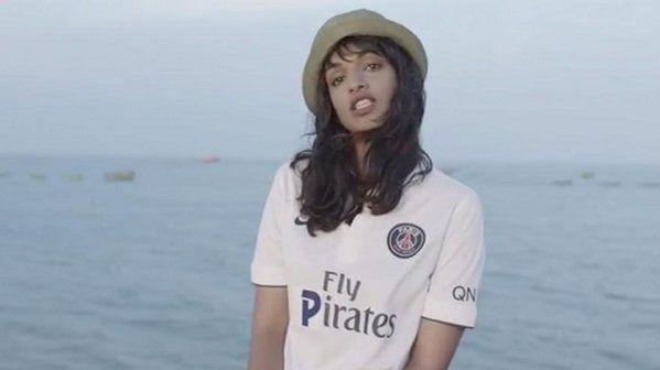 La chanteuse M.I.A s'était réappropriée le maillot du PSG dans un clip