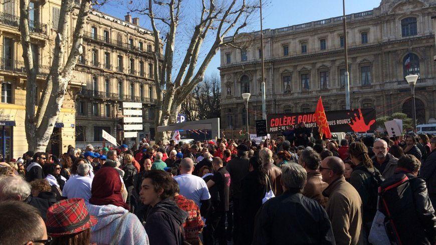 Manifestation contre les rejets de boues rouges