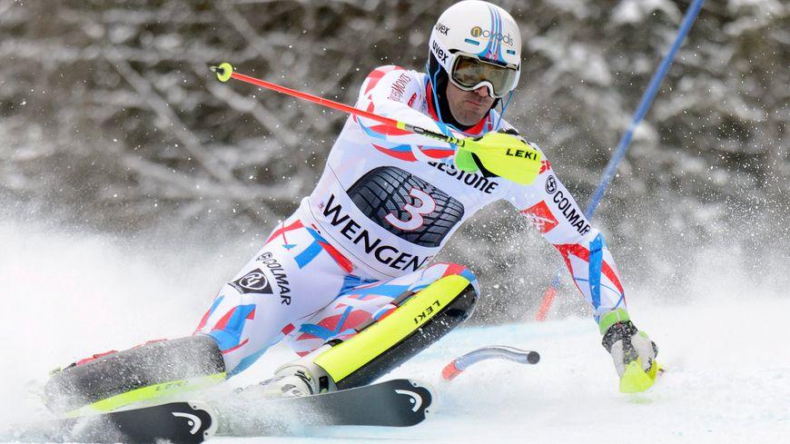 Adrien Théaux 3e du super combiné de Wengen (Sui), lors de la manche de slalom.