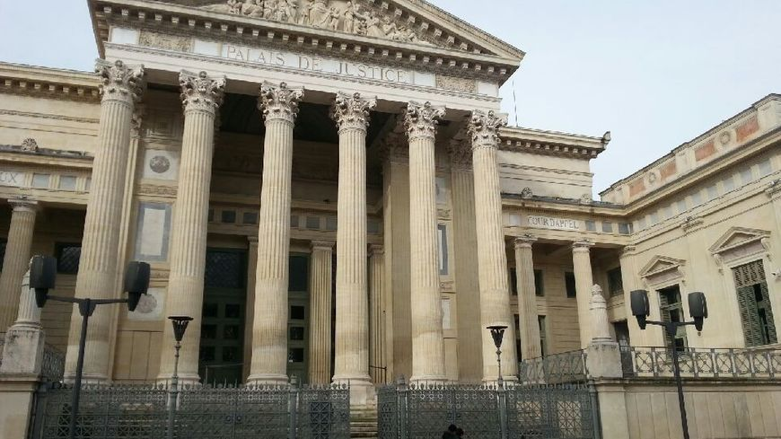 Palais de justice de Nimes
