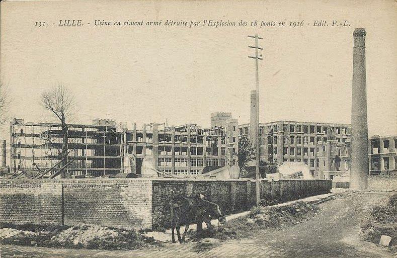 Une usine de ciment détruite par l'explosion - Aucun(e)