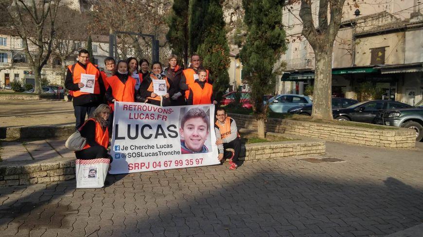 Dix provençaux se sont réunis samedi dernier, à Cavaillon, pour afficher.