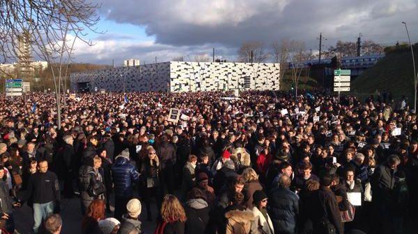 Des milliers de personnes se sont rassemblées place Foch à Metz