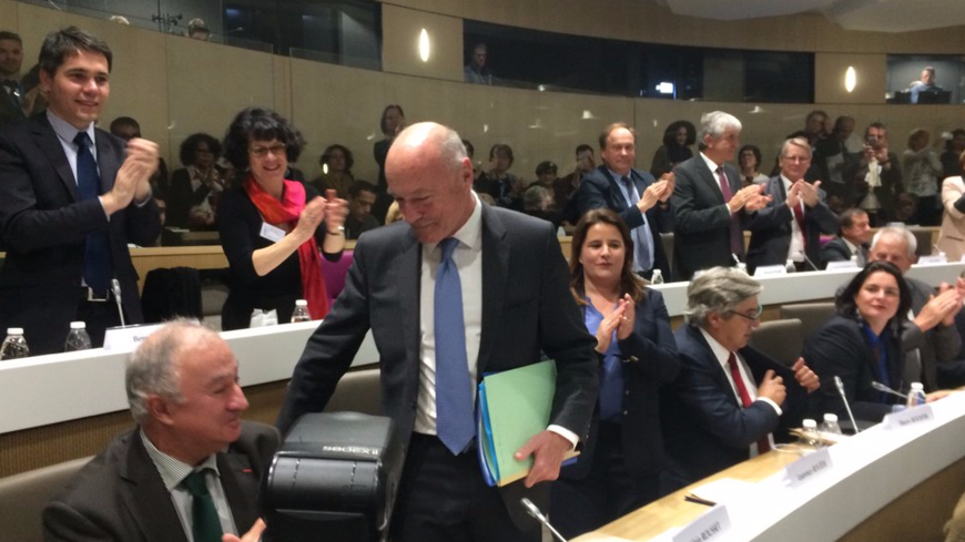 Alain Rousset élu sous les applaudissements.