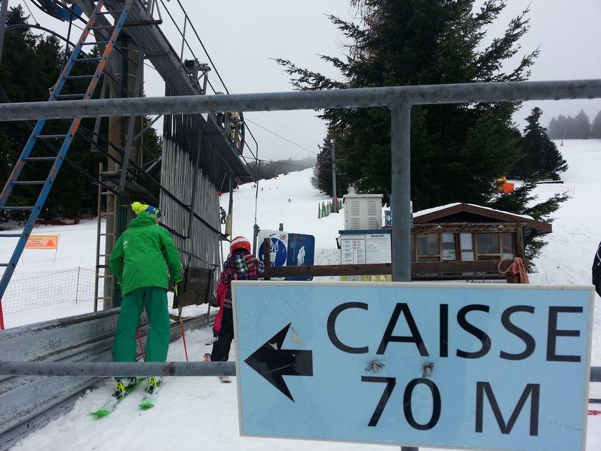 Les skieurs ont pu profiter de la neige  - Radio France