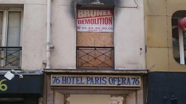La façade de l'hôtel meublé Paris-Opéra en 2015