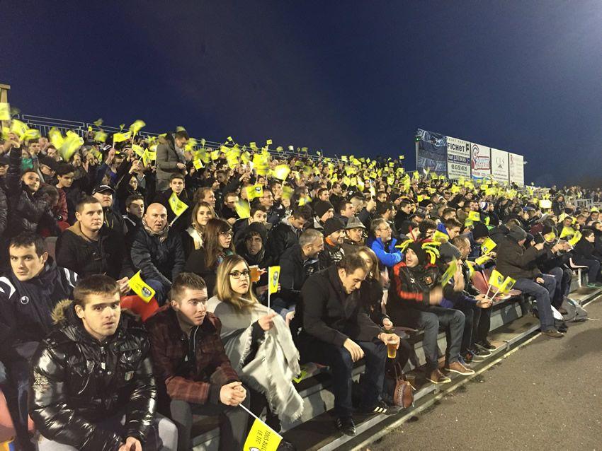 Les supporters de Trélissac pendant les 16e contre Lille - Radio France