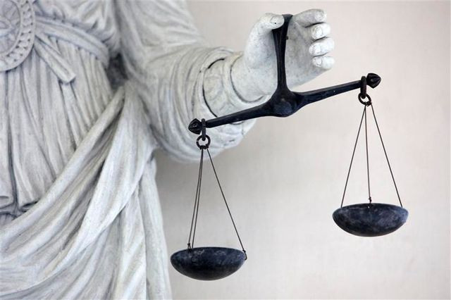 le docteur nicolas bonnemaison renvoyé en cour d'assises pour euthanasie