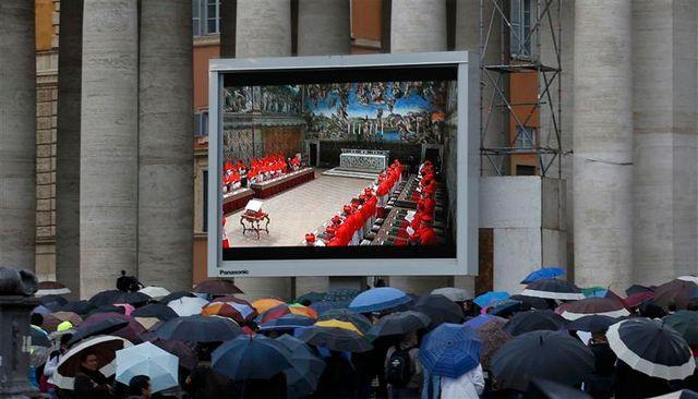 les cardinaux sont entrés en conclave