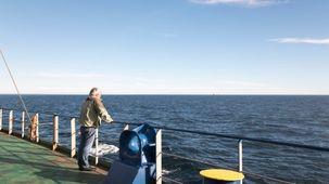 Bernard Boyer lors de la traversée de l'Atlantique Nord sur un cargo
