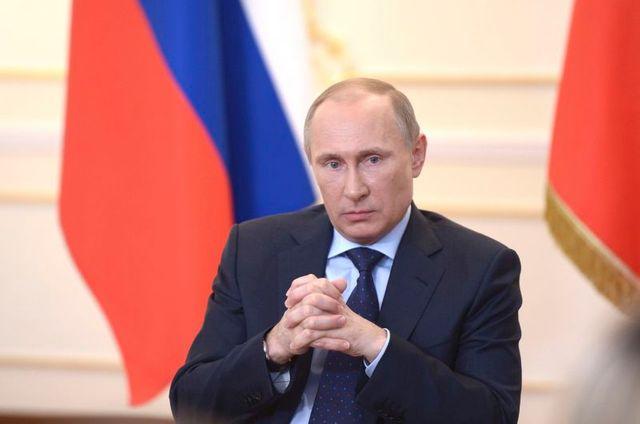 vladimir poutine exclut pour l'instant de recourir à la force en ukraine