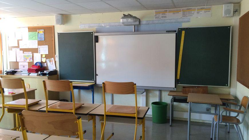 Les tableaux numériques ont été installés dans les salles de classe