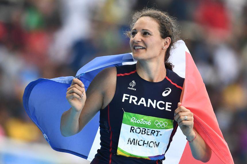 Mélina Robert-Michon après sa médaille d'argent aux Jeux de Rio - AFP