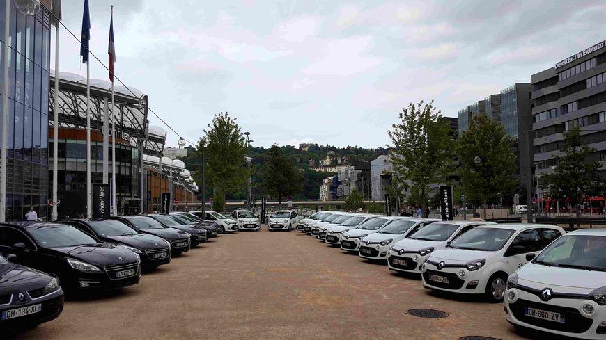 Le Conseil Régional transformé en concessionnaire autos à Lyon
