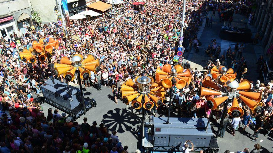 Le festival d'Aurillac attire chaque année plus de 100 000 spectateurs.