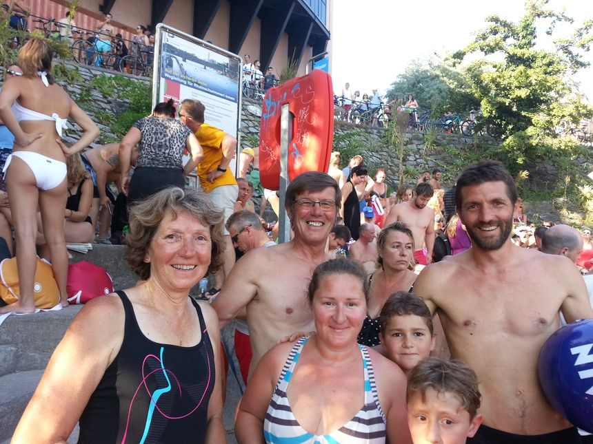 Une famille Alsacienne juste avant la baignade  - Radio France