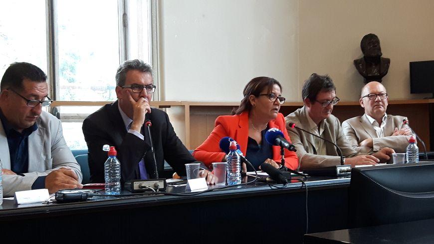 Les maires de Stains, Azzedine Taïbi (PCF), de Pantin, Bertrand Kern (PS), d'Aubervilliers, Meriem Derkaoui (PCF), de La Courneuve, Gilles Poux (PCF) et de Saint-Denis, Didier Paillard (PCF)