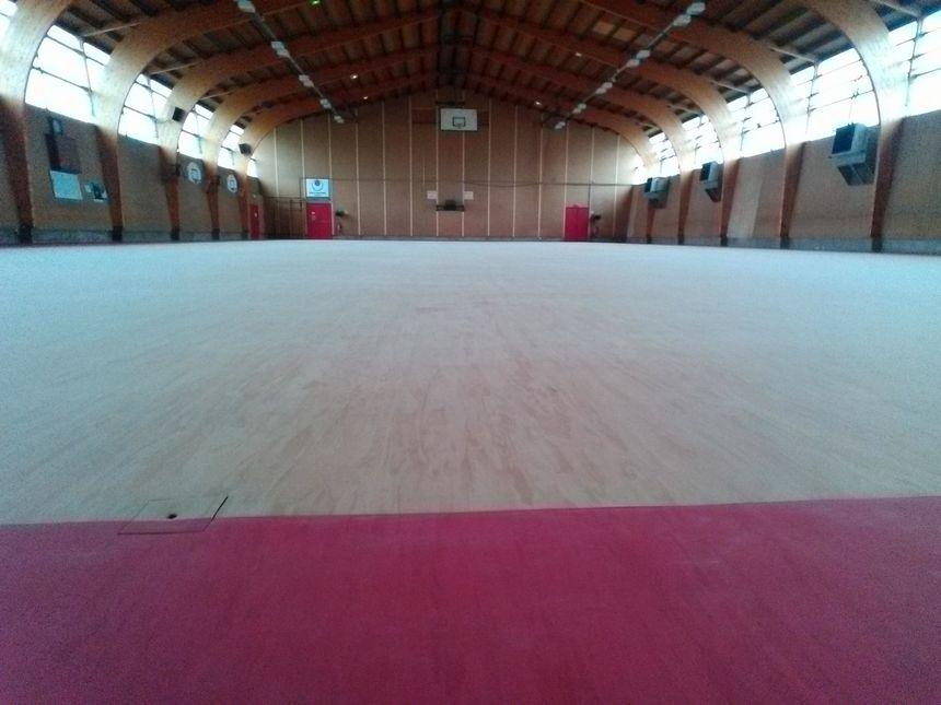 Á Vieux-Charmont le revêtement de la halle des sports est le même que celui de Jeux Olympiques de Rio ! - Radio France