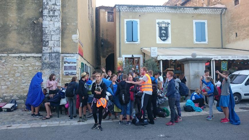 Les jeunes Allemands, naufragés de la route après une erreur du GPS, à Saint-Montan