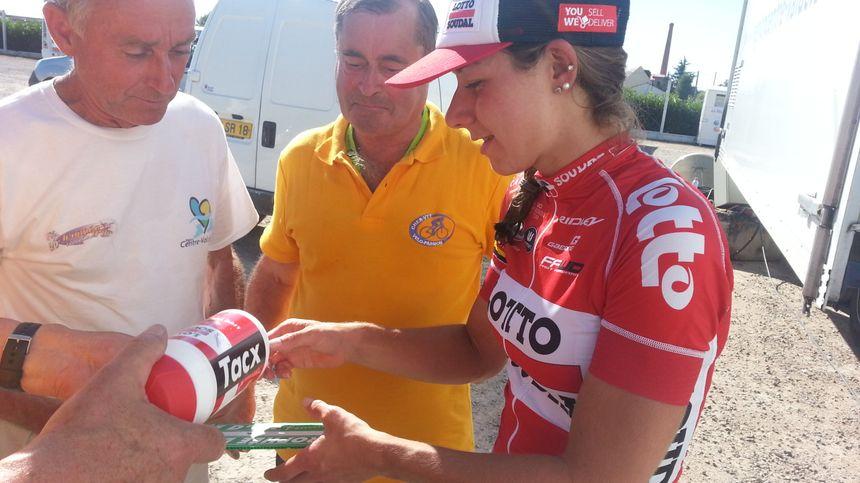 """""""Elise, un autographe, s'il vous plait !"""" - Radio France"""