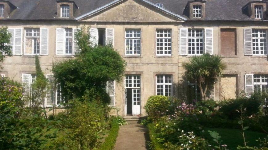 L'Hôtel de Grandval-Caligny à Valognes