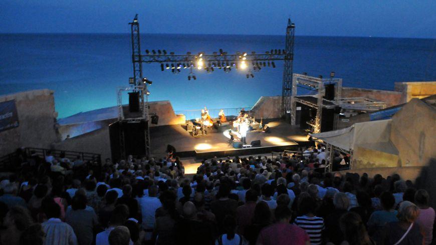 Festival Voix Vives au théâtre de la mer, à Sète