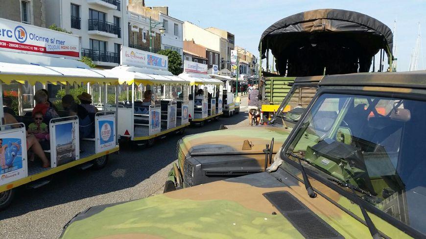 Chaque jour, le petit train est passé devant le QG des militaires de l'opération Sentinelle aux Sables d'Olonne