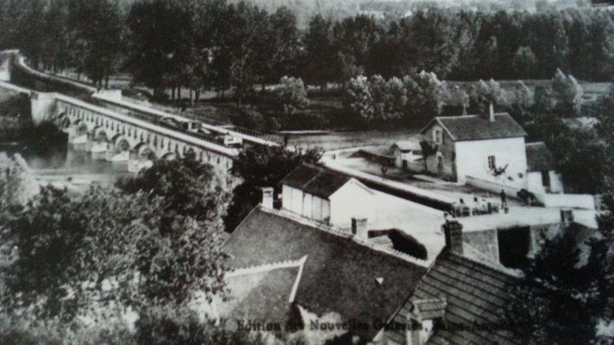 Le pont-canal de la Tranchasse lorsqu'il était encore navigable - Aucun(e)