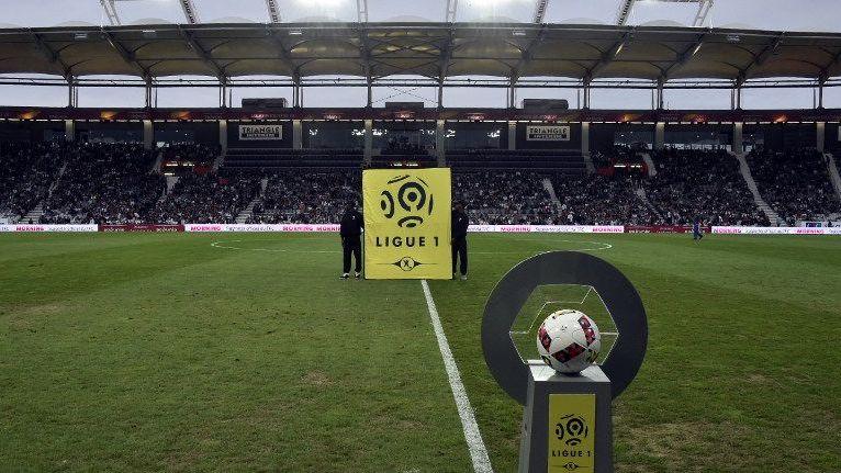 Le bâton de Bourbotte se transmet de club en club durant la saison de Ligue 1