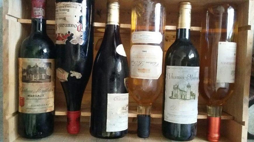 Lot de bouteilles volées