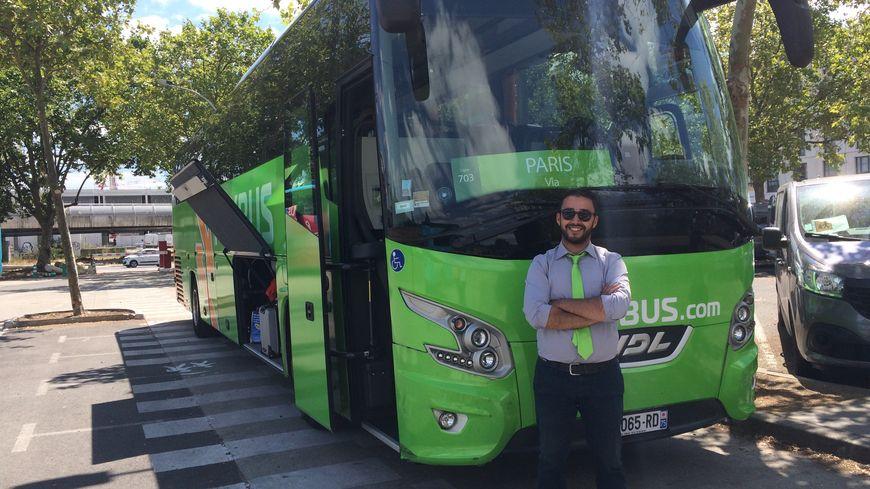 Abdel, conducteur chez Flixbus, a vu le nombre de passagers augmenter considérablement avec les grèves de la SNCF et l'Euro 2016