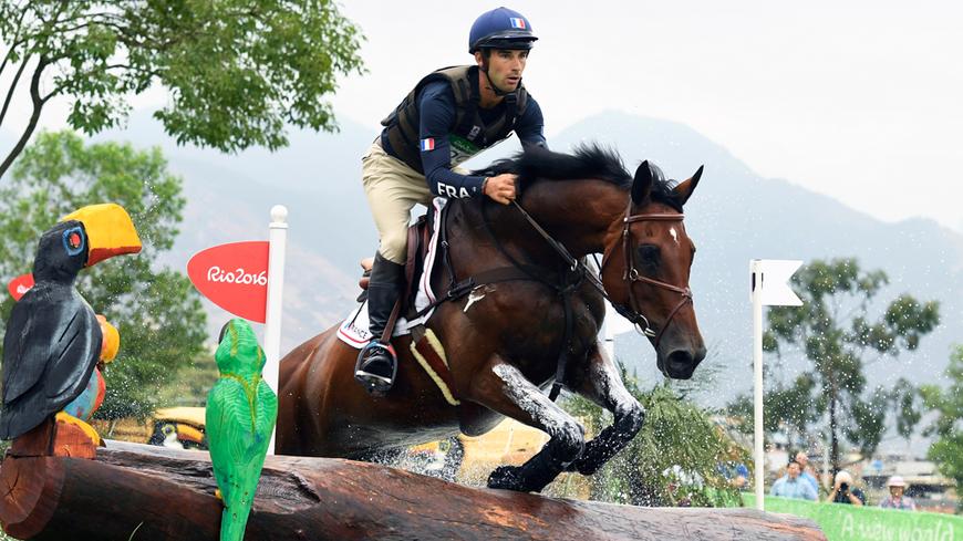 Le cavalier Astier Nicolas et son cheval Piaf de B'Neville