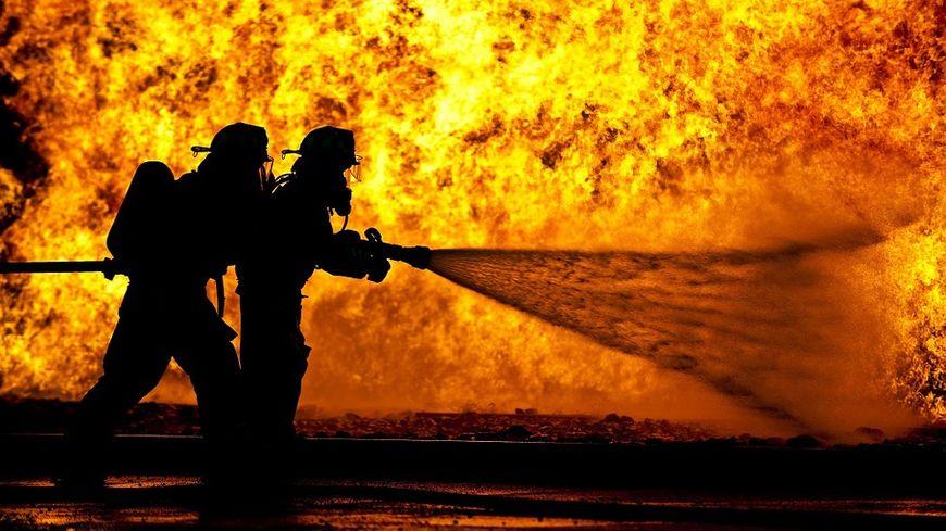 Près de 3 000 hectares ont déjà été détruit jeudi 11 août près de Marseille