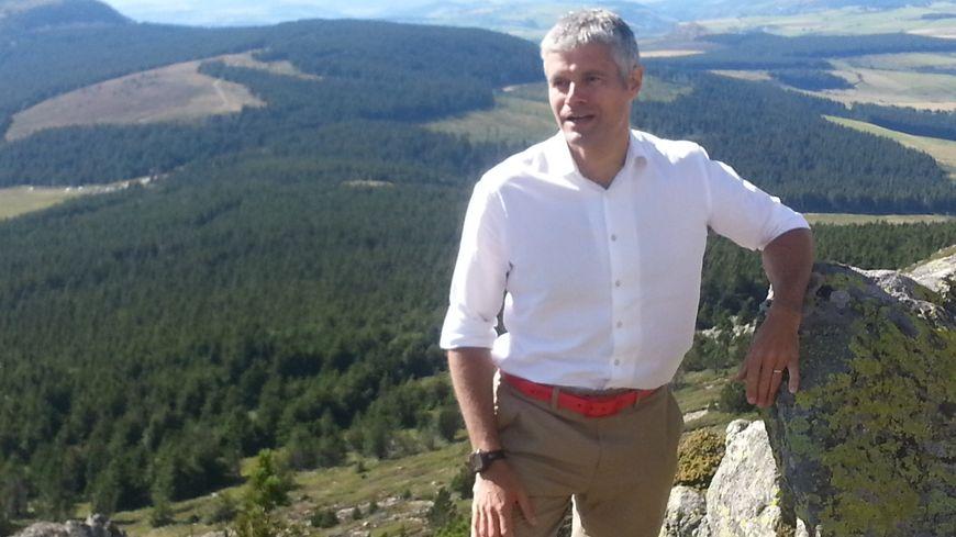 Laurent Wauquiez en haut du Mont Mézenc (Archives, 2014)