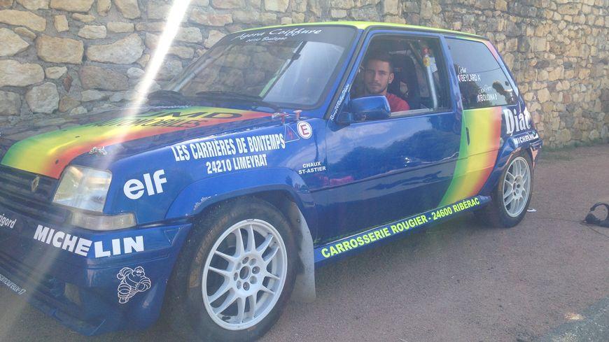 Arthur Beylard dans sa Super 5 GT Turbo