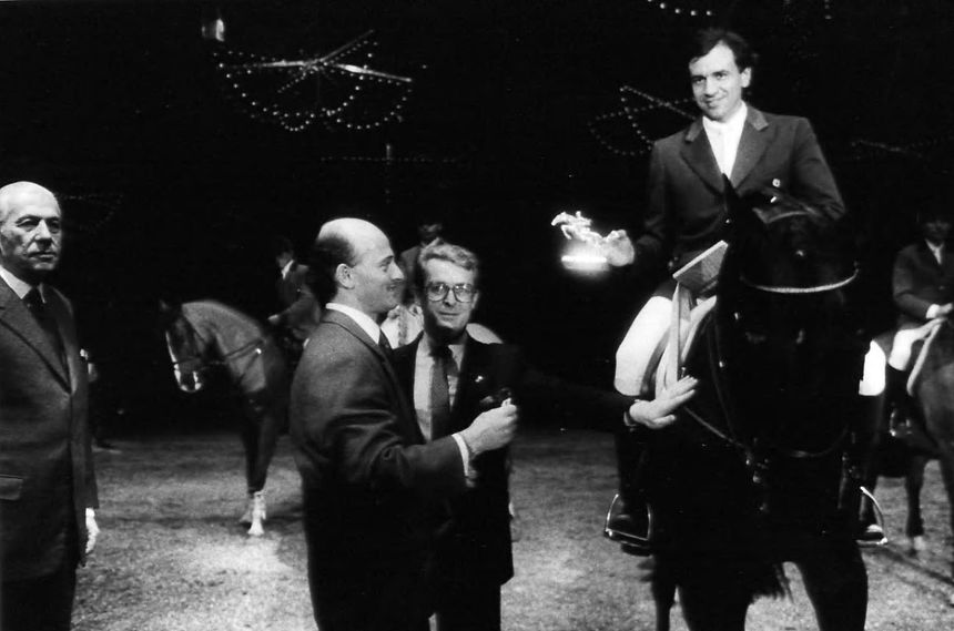 Pierre Durand avec Jappeloup au Jumping de Bordeaux en 1987 - Aucun(e)