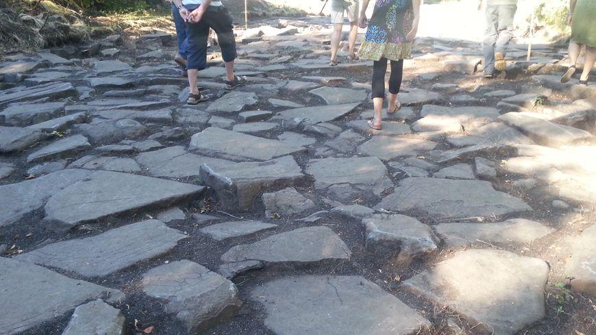 Une place de 120 mètres de long sur 25 mètres de large a été découverte au cœur de la ville gauloise de Gergovie.