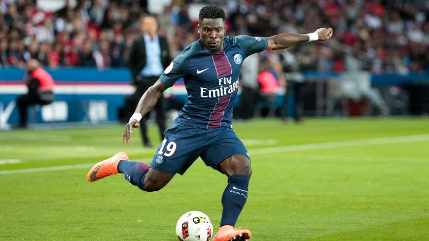 Serge Aurier était titulaire ce dimanche soir contre Monaco dans la défense parisienne