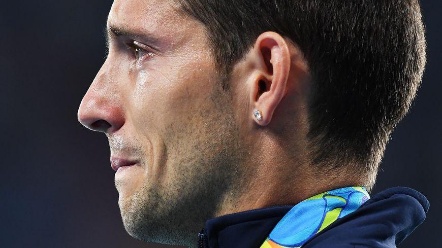 Renaud Lavillenie n'a pas pu retenir ses larmes après les sifflets du public brésilien