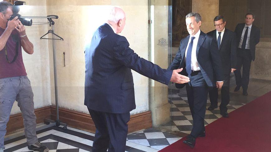 Jean-Claude Gaudin accueille Nicolas Sarkozy à l'hôtel de ville de Marseille