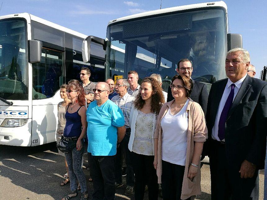 Les bus scolaires prêts à reprendre leur service  - Radio France