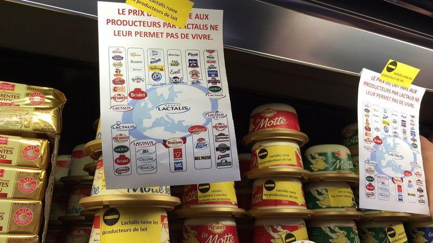 La FDSEA 21 et les JA 21 ont étiqueté les produits Lactalis pour dénoncer les prix du groupe laitier.