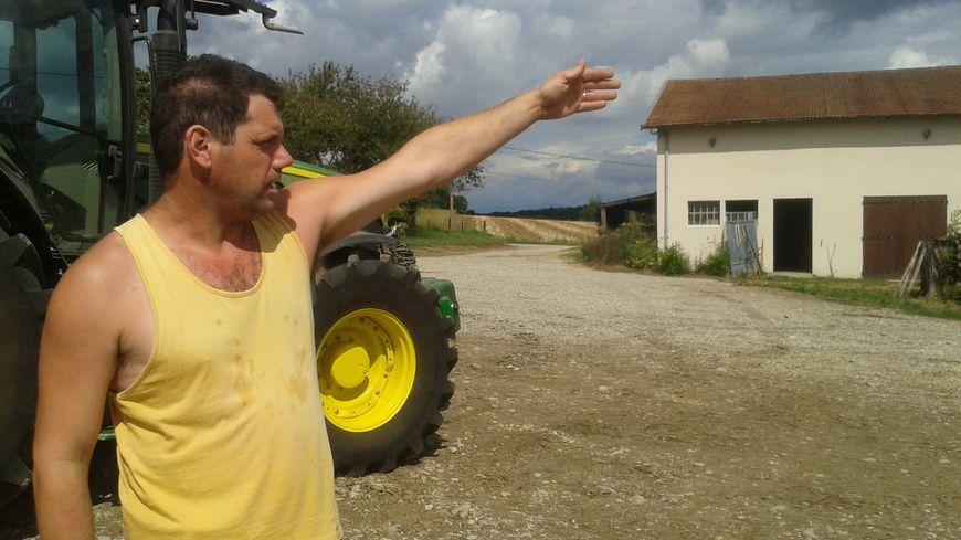 Chez Pascal Curnil, agriculteur à Bonnefamille, un tiers de la récolte n'est pas bonne