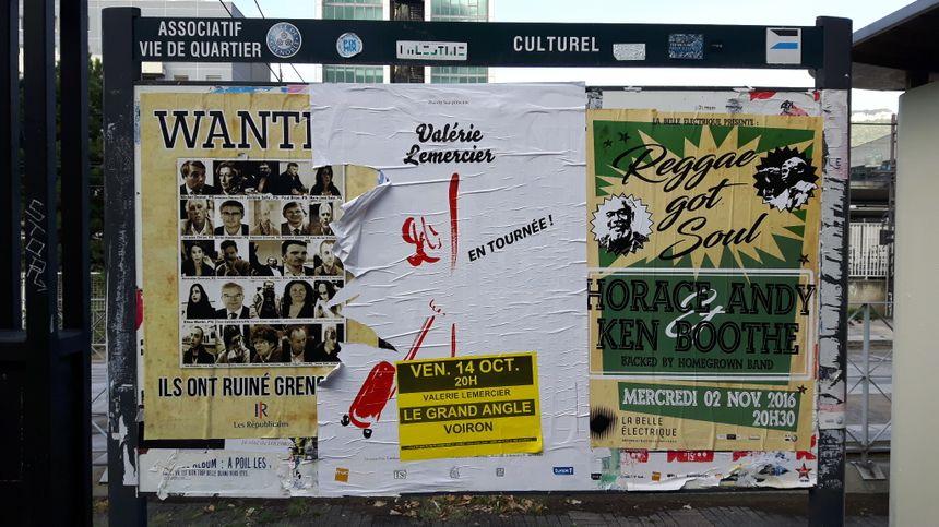 """L'affiche """"Wanted"""" sur un panneau vers la gare de Grenoble - Radio France"""