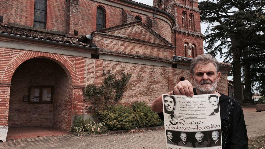 Alain Lenfant, l'organisateur du concert devant l'église de Gauré