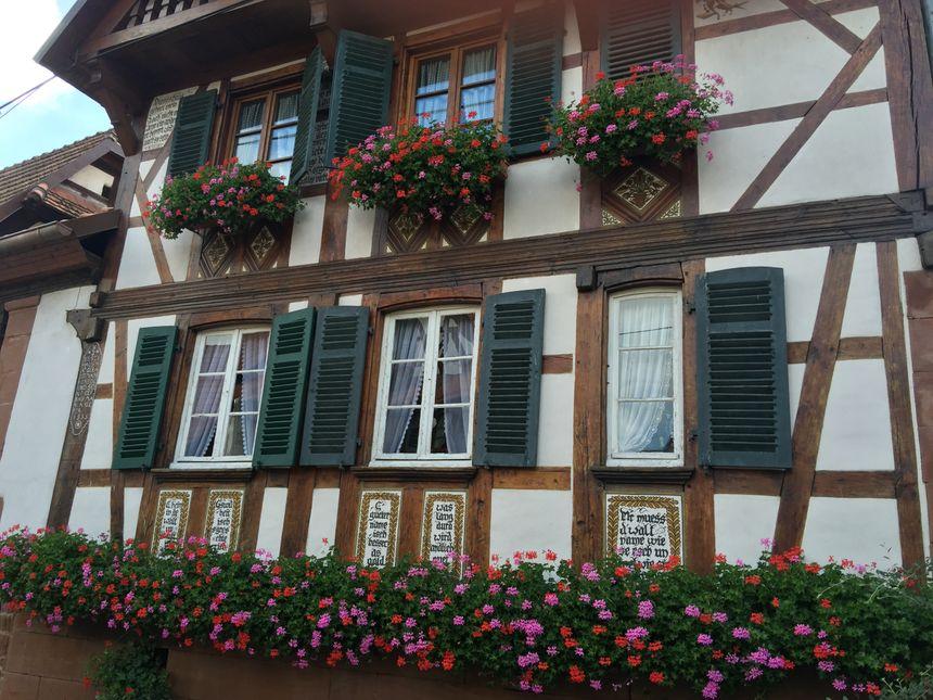 Rue des forgerons, l'une des plus jolies maison de Uhrwiller - Radio France